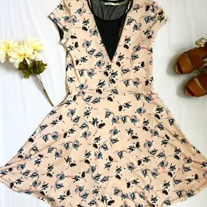 Urban Outfitters Fit and Flare Floral Dress Medium